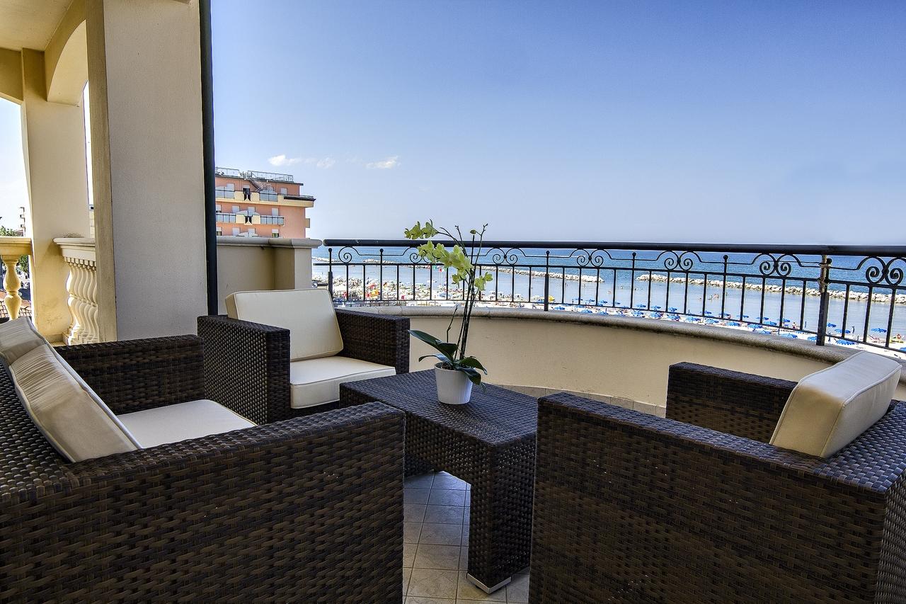 Appartamenti viserbella sul mare affitto casa vacanza for Appartamenti pescoluse sul mare